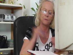 Sara V. (54 years)