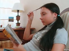 Cute teen babe Pam gets bored and start part2