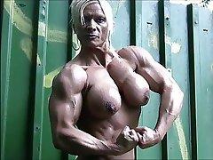 naked mature german muscle beast nicole savage