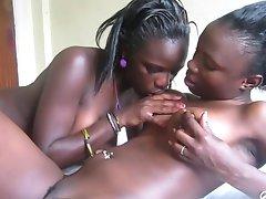 Amateur African lesbians 7