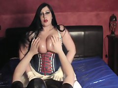 Lady 31 latex, corset, gloves